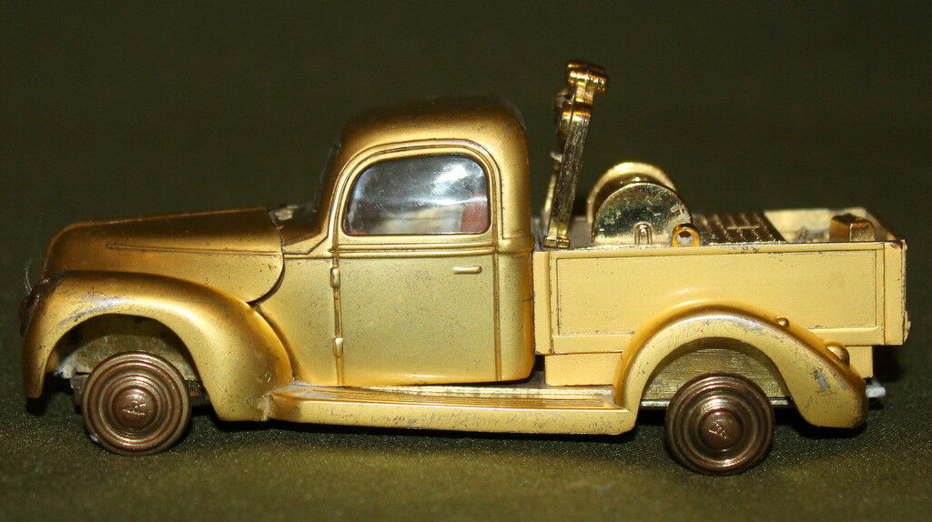 Vintage metal pick up up truck toy