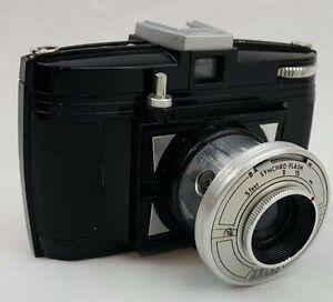 Vintage-Bilora-Bella-Black-Film-127-Camera-with-Case-Made-in-Germany