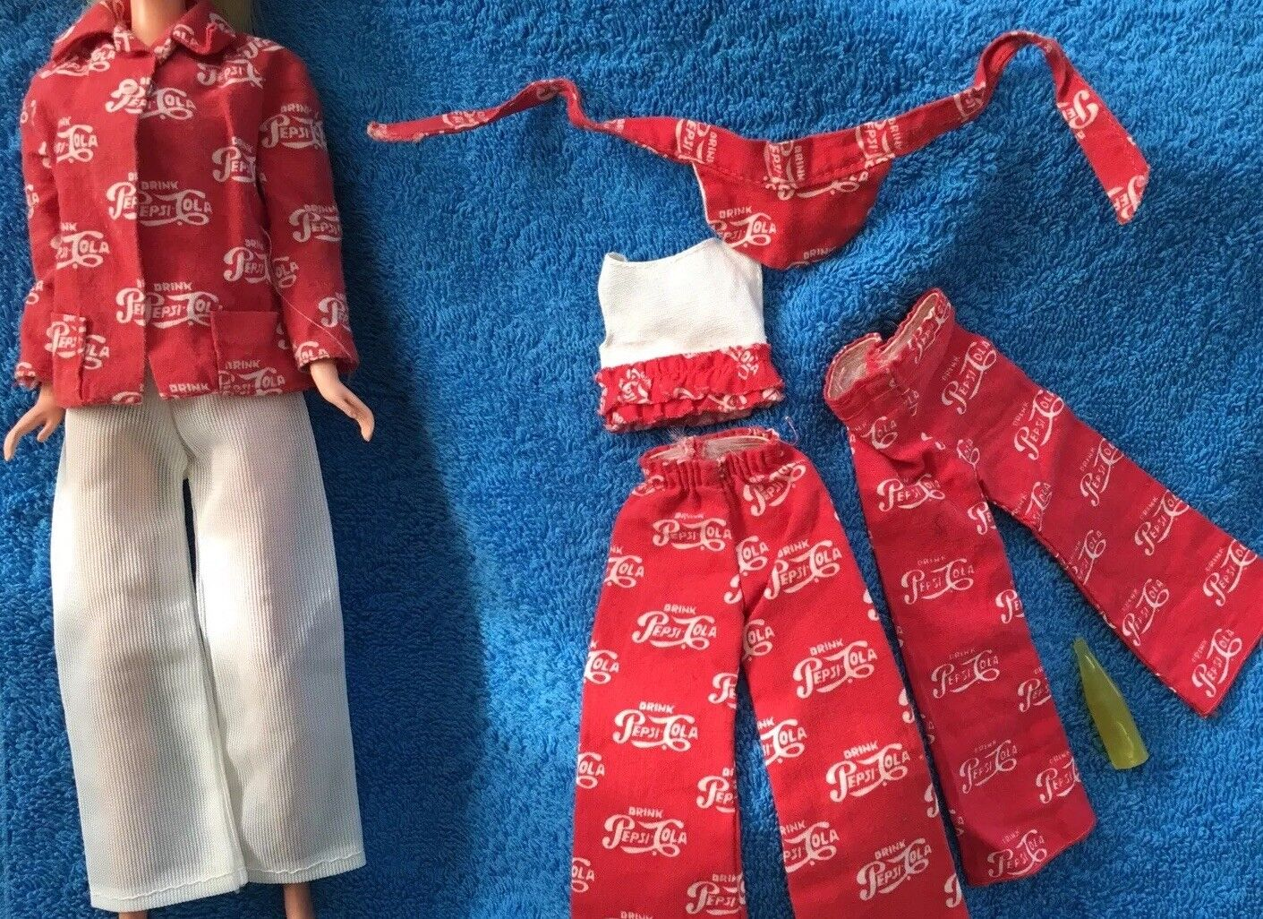 Barbie Skipper Outfit   Best Buy Fashions 7770 - Pepsi Cola SAkipper and Francie