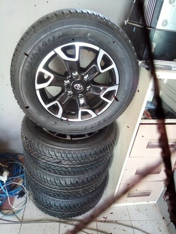 18inch Toyota Legend 50 original mags with brand new 265/60/18 Dunlop Grandtrek AT set for R15999.
