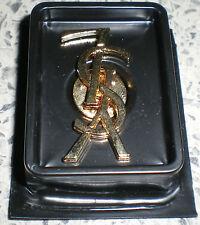 YVES SAINT LAURANT-PIN-goldfarben-(VARIANTE 5)-3,3 cm x 1,7 cm-wiegt 3 gramm-