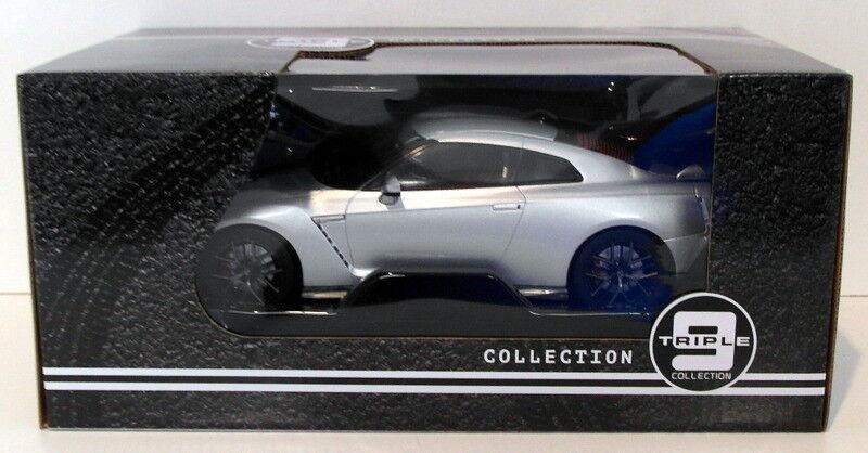 Triple 9 1 18 Scale Diecast T9-1800199 - 2017 Nissan GT-R - Silber