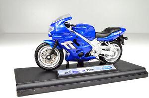 TRIUMPH-TT-600-Blu-Scala-1-18-Modellino-Moto-von-WELLY