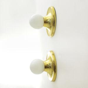 Coppia-di-applique-in-ottone-Light-ball-dei-fratelli-Castiglioni-per-Flos-60