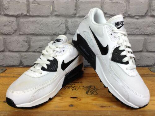 Nike Damen UK 5 EU 38.5 weiß schwarz Essential Turnschuhe Rrp £ 100