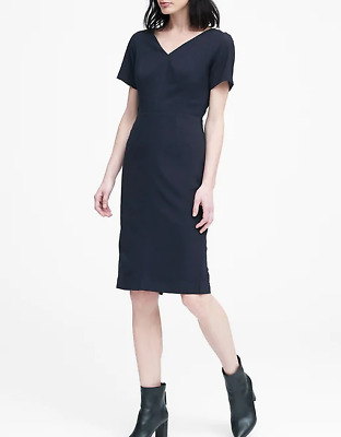 Banana Republic Women/'s Black Lightweight Wool V-Back Dress Size 4