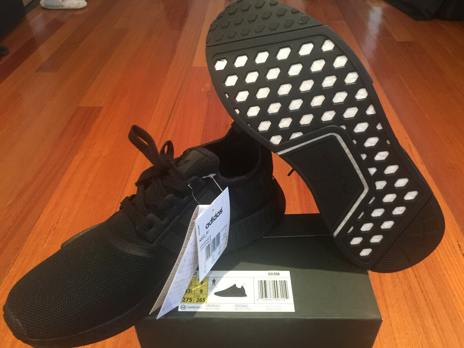 Adidas NMD R1 Triple Negro US9.5 para hombre DS
