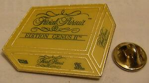 TRIVIAL-PURSUIT-GENIUS-EDITION-vintage-pin-badge