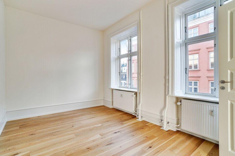 2100 vær. 5 lejlighed, m2 173, Rosenvængets Allé