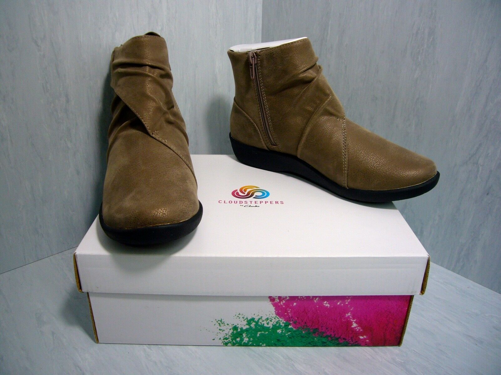 Nuevo con caja Clarks cloudsteppers Sillian Tana Tobillo botas Botín De Estaño M