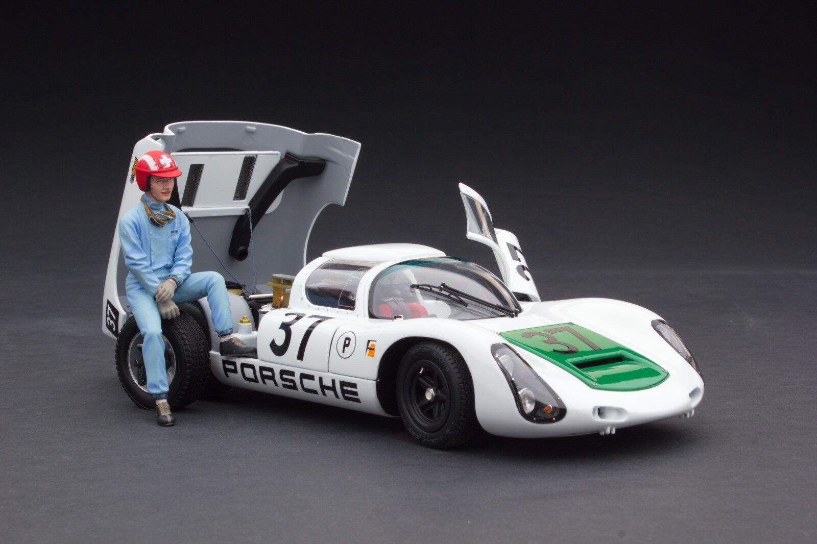 Exoto 1967 Porsche 910 Sebring Diorama 1   18    MTB00062F