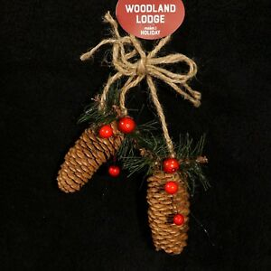 Real-Pinecone-Christmas-Ornament-w-Pine-Branch-amp-Berries-NWT