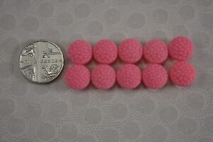 VINTAGE-1950s-set-of-10-small-pink-textured-plastic-fabric-effect-buttons-9mm