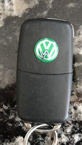2x-14mm-Verde-Remoto-Clave-Insignia-Emblema-De-Audio-Pegatina-VW-Volkswagen-Golf-Polo-T5