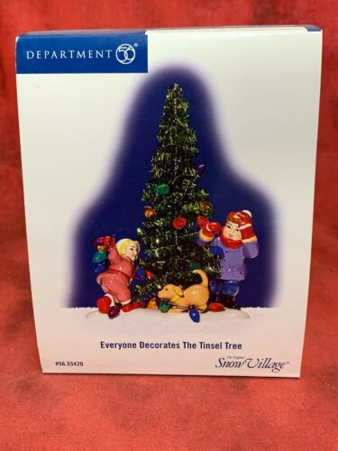 DEPT 56 CHRISTMAS SNOW VILLAGE Everyone Decorates the Tinsel Tree IN BOX