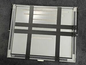 Beseler-20x24-034-Universal-4-Bladed-Enlarging-Easel-U