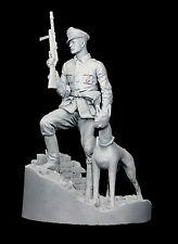 CGS Segunda Guerra Mundial oficial alemán (3 opciones de cabeza) con perro 120mm sin pintar KIT