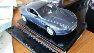 Aston-MARTIN-DB9-COUPE-1-24-scala-in-Metallo-Diecast-Modello-Auto-Giocattolo-Ian-Callum-Design