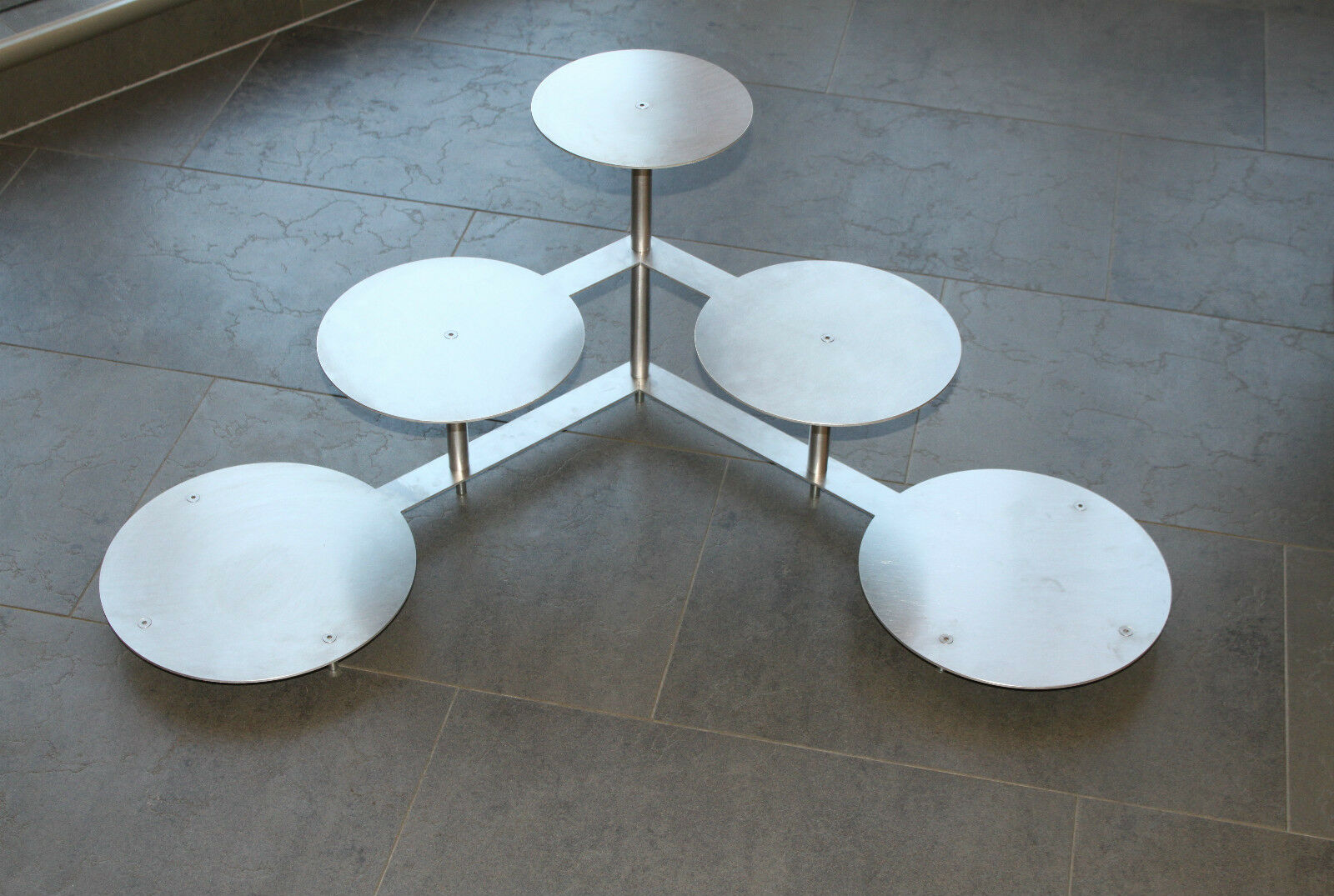 Aluminium Tortenständer Hochzeitstortenständer  3 Etagen Etagere Alu Ø 20 24 28  | Elegant  | Feine Verarbeitung  | Ausgang