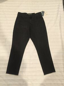 482cec32c932 Universal Thread Women s Black High Rise Straight Leg Frayed Jeans ...