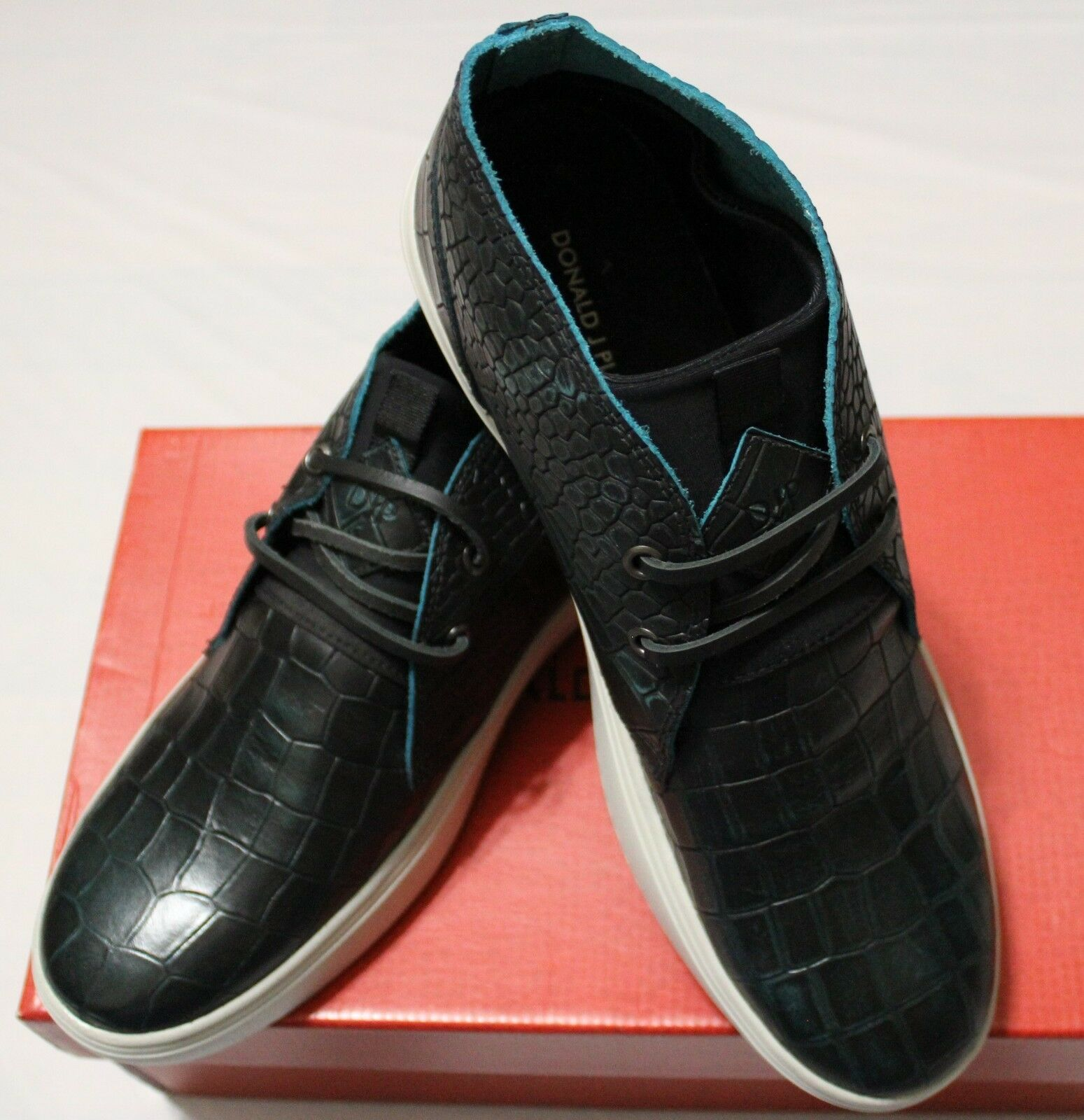 245 DONALD J PLINER PAXTON TEAL WASHED CROCCO SNEAKER US 8M