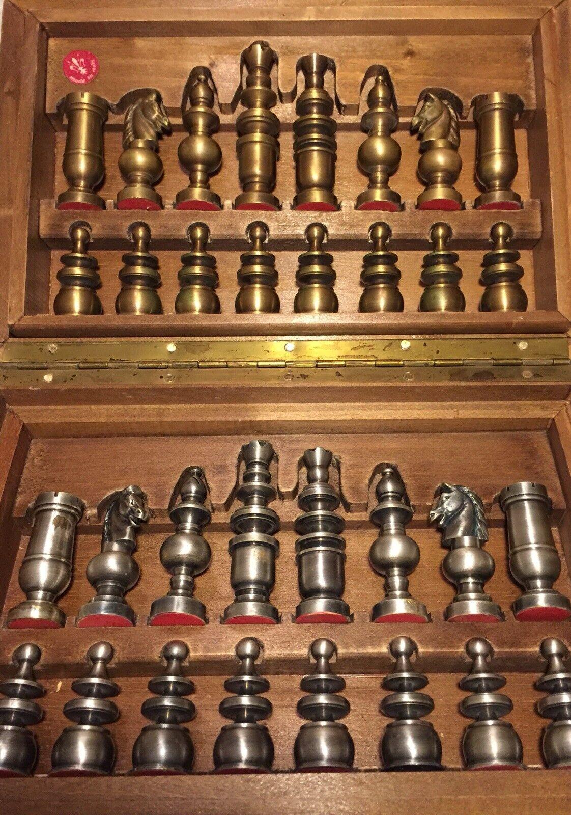 Juego de ajedrez Latón & Estaño 32 piezas vintage con caja de almacenamiento de madera de 3.75 de Alto Rey