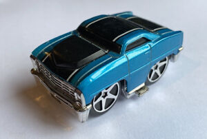 2005 HOTWHEELS blings 67 Chevy II BLU MOLTO RARA!