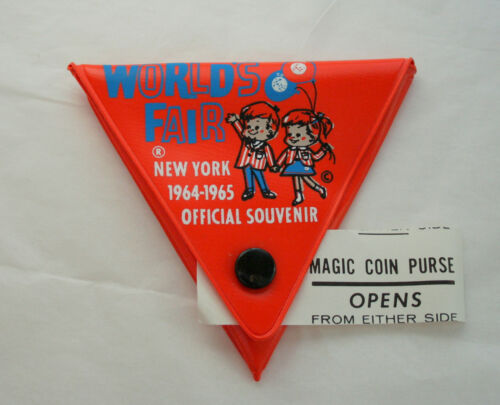 1964 1965 New York Worlds Fair Orange Plastic Souvenir Magic Coin Purse NOS New
