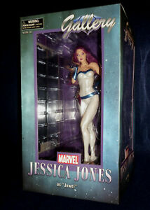 Diamond Select Toys Marvel Gallery Jessica Jones As Jewel PVC Figure