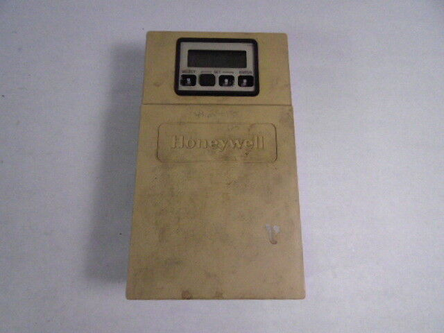 Honeywell T775A1019 Temperature Controller  AS IS