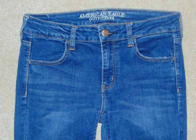 WOMENS *AMERICAN EAGLE* SUPER STRETCH DESTRUCTED JEGGING SKINNY JEANS SIZE 8 **