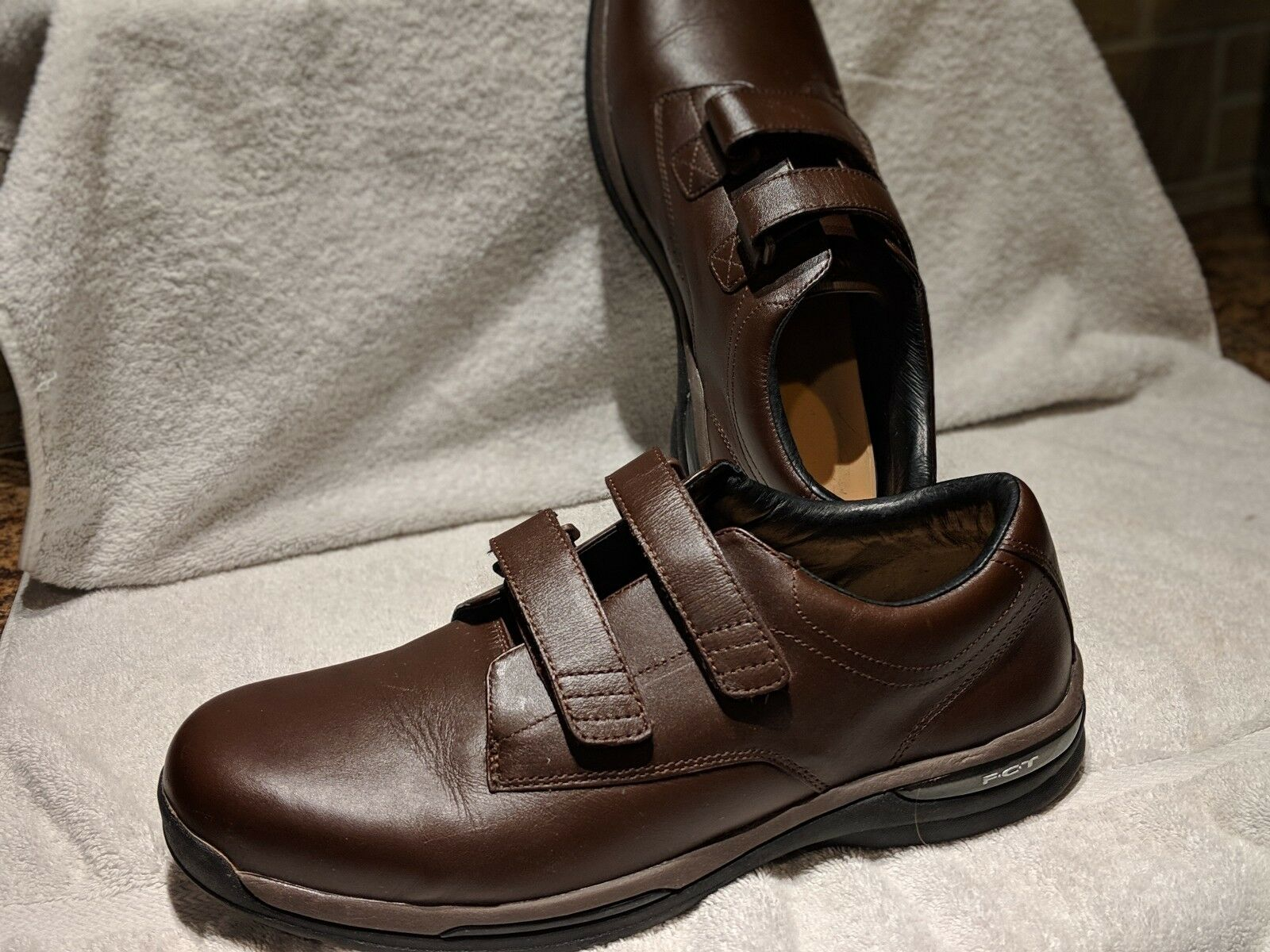 Oasis Nevis H & L Men's 2 Strap Brown Leather Diabetic Comfort shoes. FCT 13W