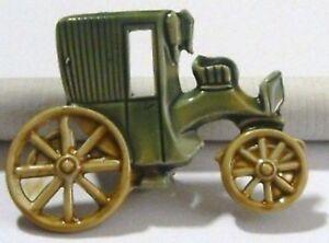 broche-bijou-vintage-base-couleur-argent-email-vert-carrosse-tacot-4163