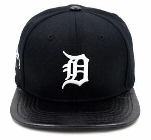 timeless design 0e907 db966 Image is loading Detroit-Tigers-Pro-Standard-Strap-Back-Cap-Black-
