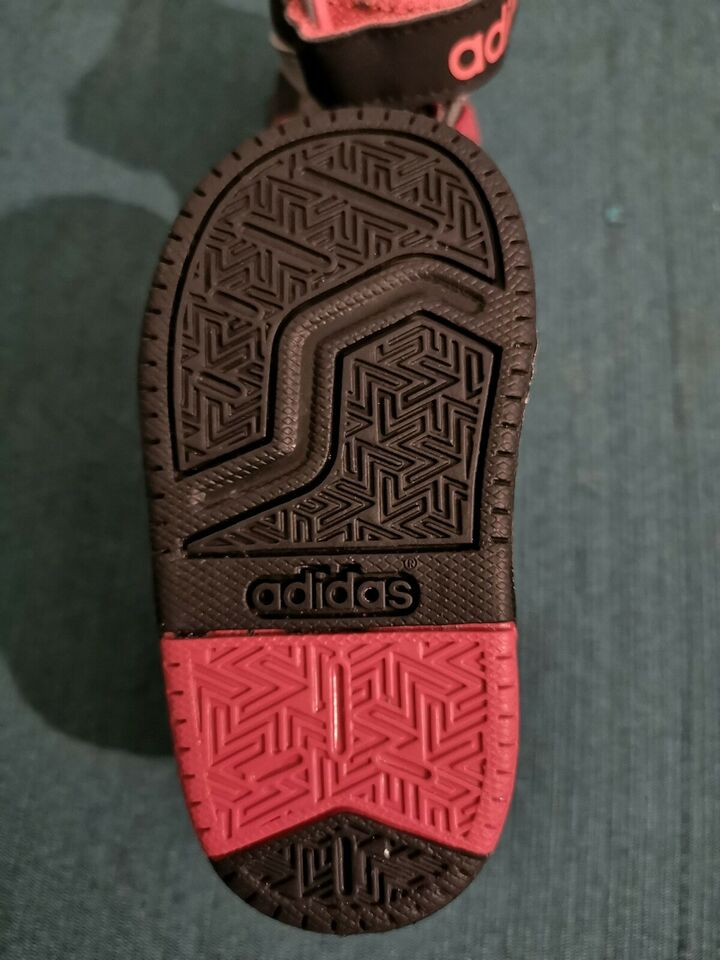 Adidas sko str. 19   FINN.no