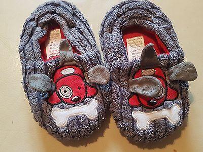 Zapatillas De Perro, apenas usados zapatos talla 6 - 7 desde tu Niños O Niñas