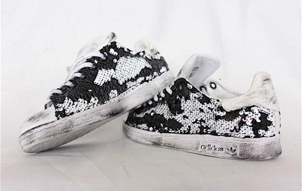 Schuhe Adidas Stan Smith mit Paiette Schwarz und Weiß