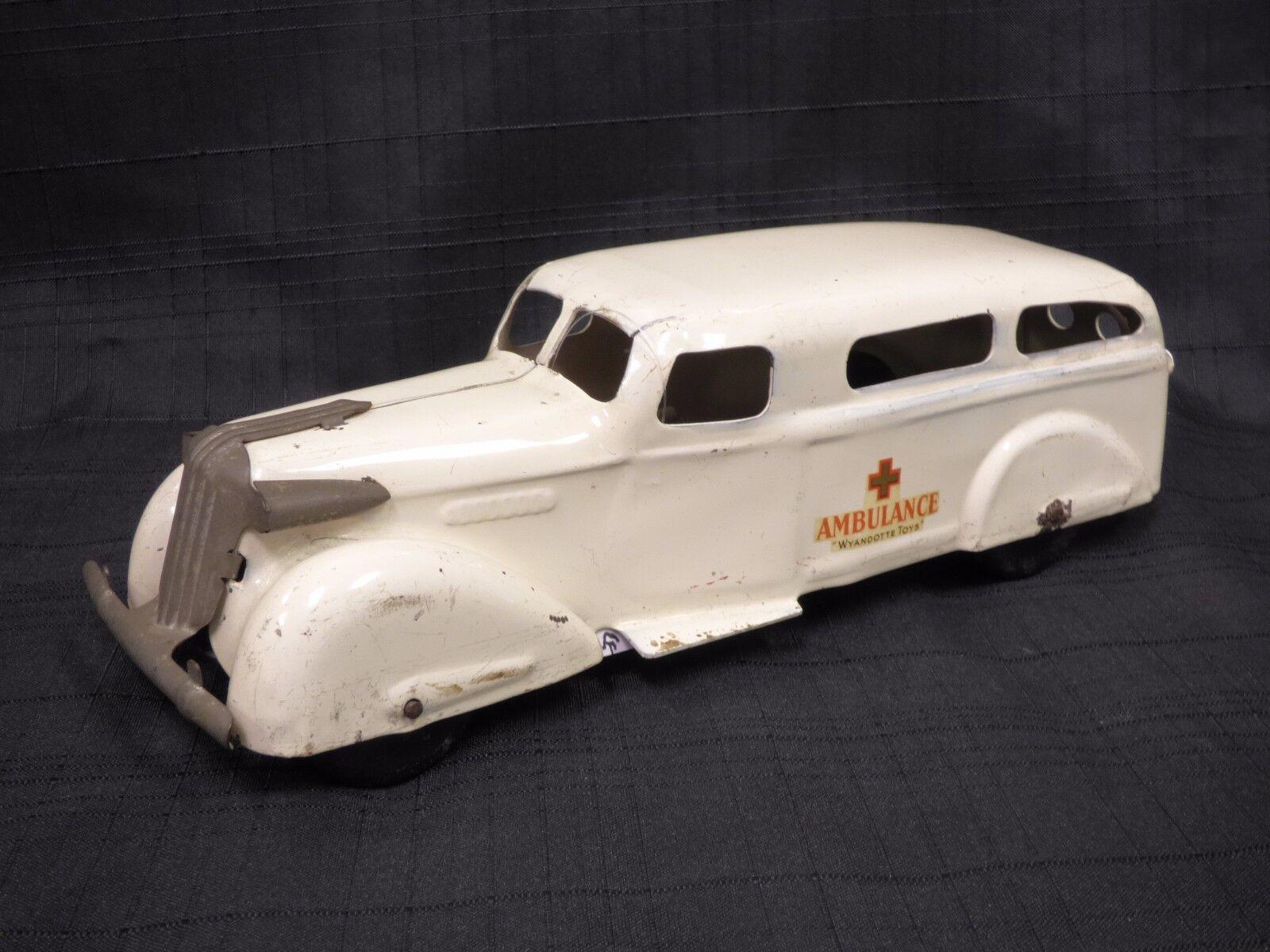 1936 -1939 WYANDOTTE AMBULANCE Pressed Steel bil w   Stretcher