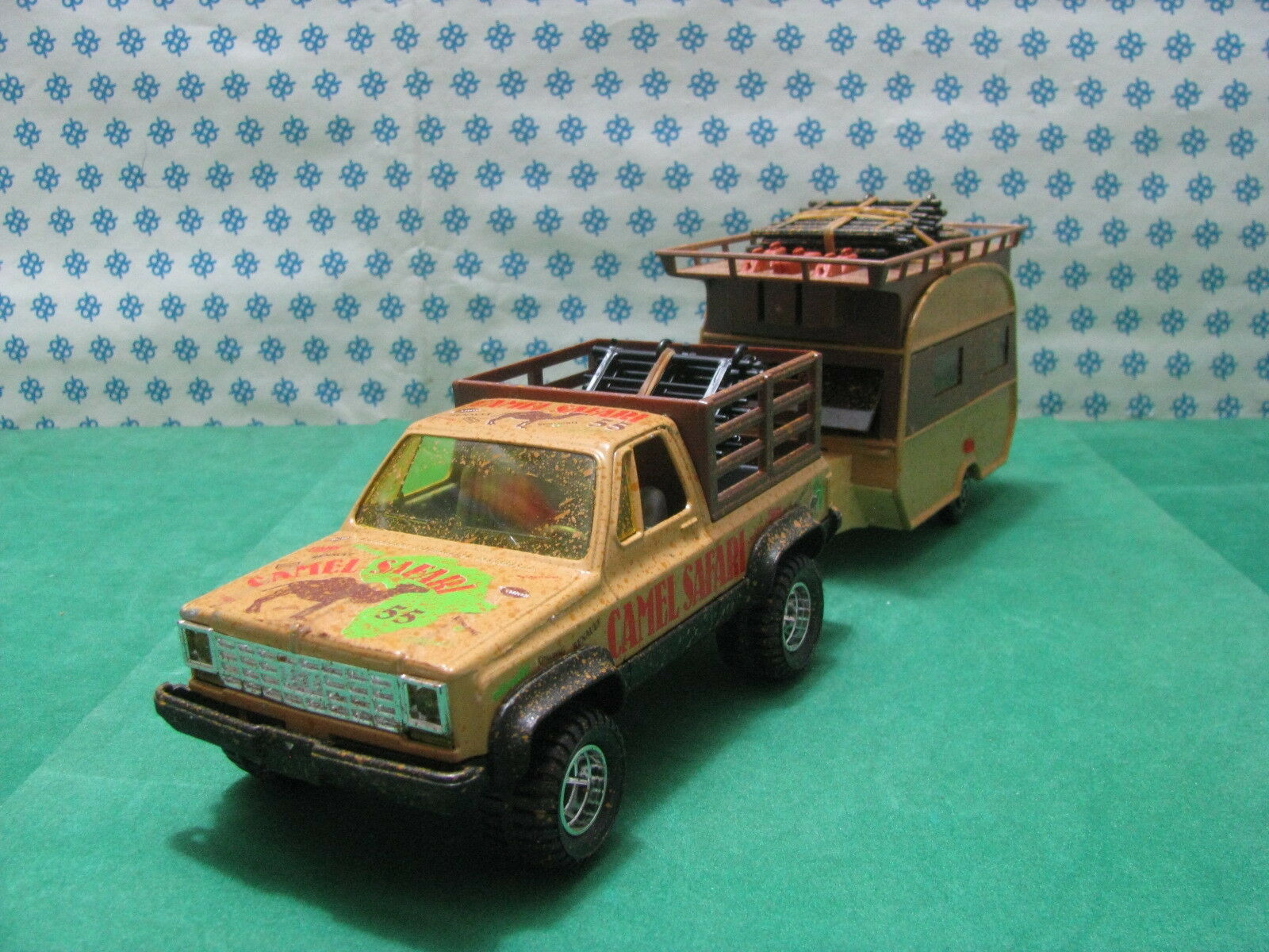 Vintage RARE - BRONCO 4X4 + Caravan Raphael 201  Camel Safari    - 1/25 GIODI