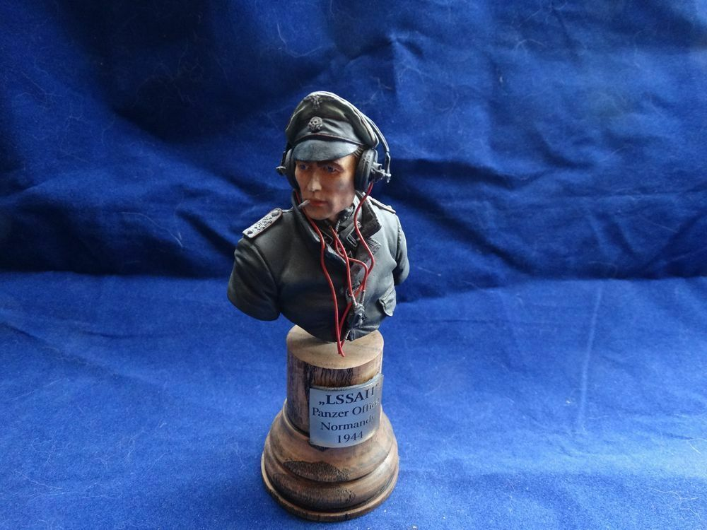 Built & Painted Bust - LSSAH Panzer Officer