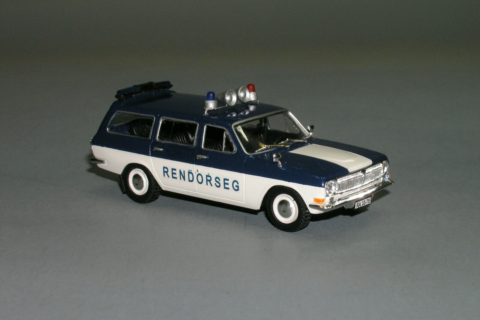 RARE     Gaz Volga 24-02 Rendorseg Rendőrség Hungary Police Custom Made 1 43