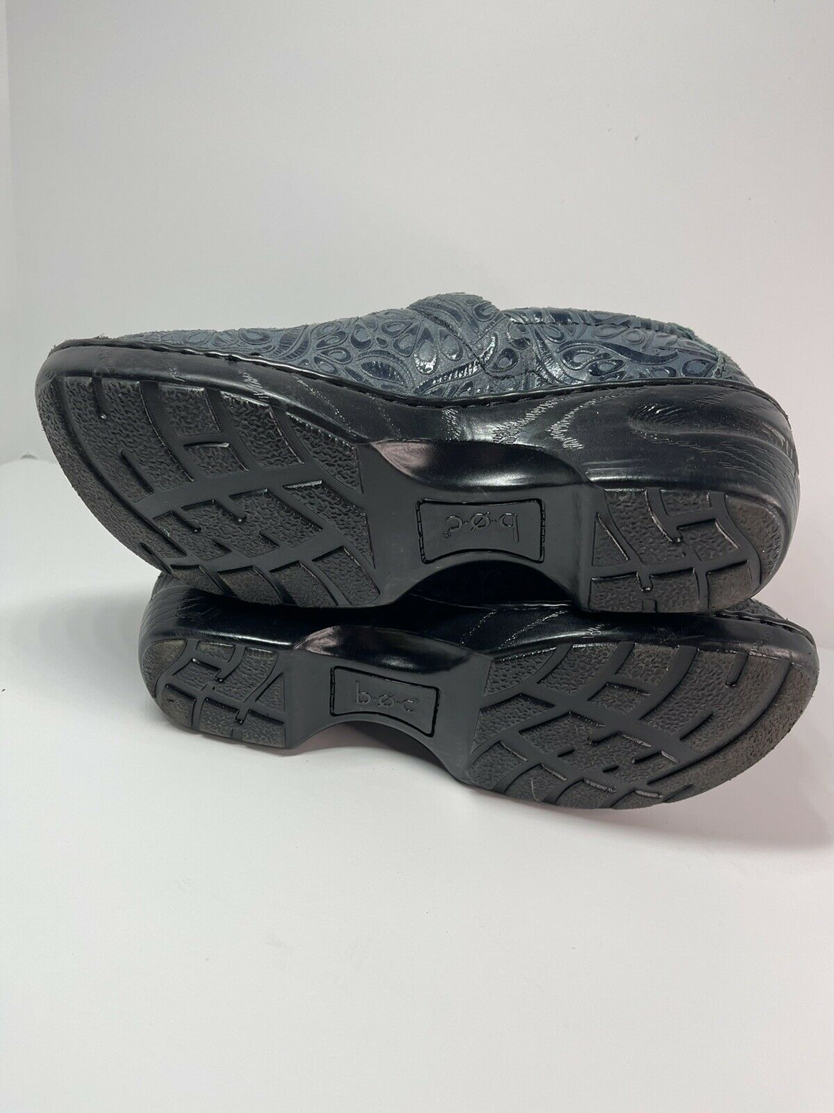 BOC Comfort Clogs Shoes Embossed Pattern Womens Size 9 BC4630 Navy Blue EUR 40.5