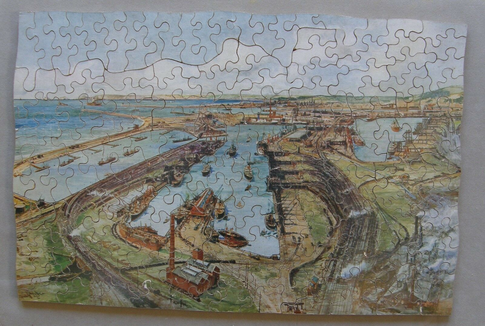 VINTAGE 150pc wooden jigsaw puzzle  wavy edge  colour cutting  Complete