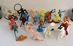 20-Weichkunststoff-Cowboys-Indianer-viele-7cm-1960er-Jahre-selten