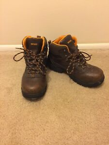 Mens-Hytest-Safety-Steel-Toe-Work-Boots-Size-8-Wide-Width-Brown