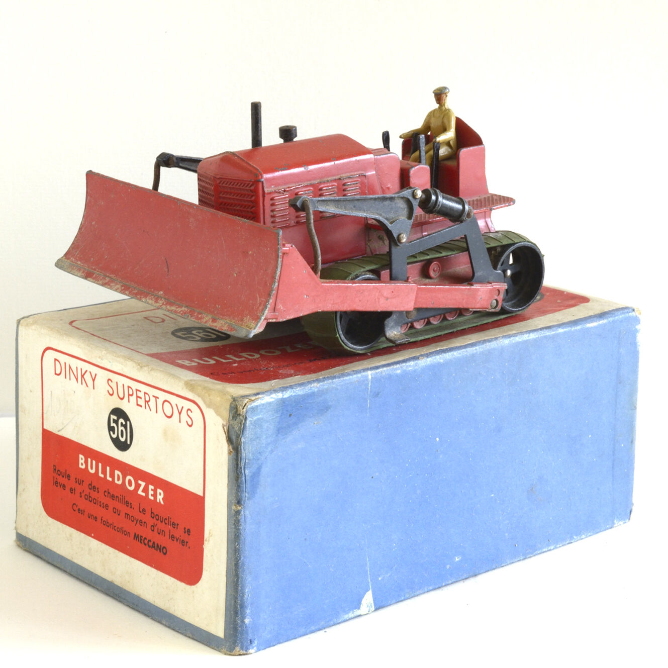 Dinky Toys original - Bulldozer GB 561- rouge uni - BE (boîte a)