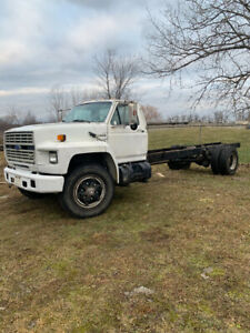 1987 Ford F 750