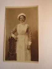 Hampstead - Frau mit Haube & Schürze - Dienstmädchen ? Krankenschwester ? Foto