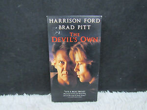 1997-The-Devil-039-s-Own-Harrison-Ford-and-Brad-Pitt-Columbia-Pictures-Presents-VHS