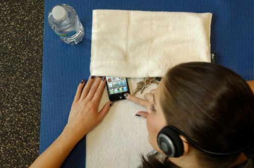 money Details about  /Bamboo workout gym spa sports towel keys pockets hold your cell phone